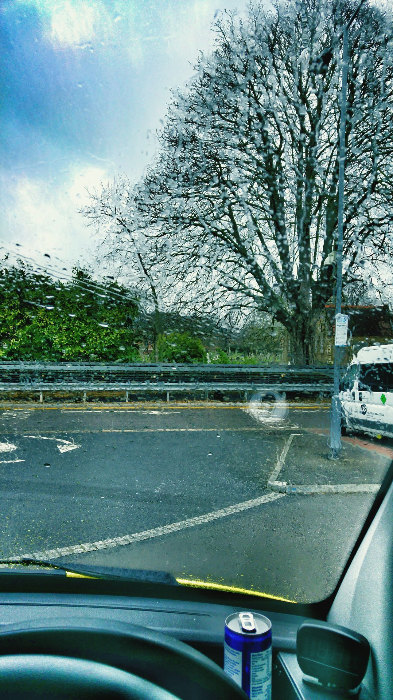 Hello World London Ambulance Service Emergency Vehicle Rainy Day My Office Today Taking Photos Working Hard Ambulance What I Do