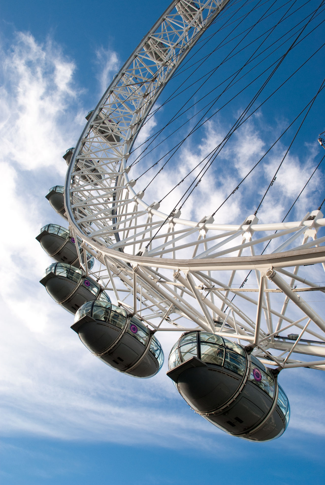 Amusement Park Amusement Park Ride Arts Culture And Entertainment Big Wheel Cloud - Sky Day Ferris Wheel Large Leisure Activity London Eye🎡 Low Angle View No People Outdoors Riesenrad Sky