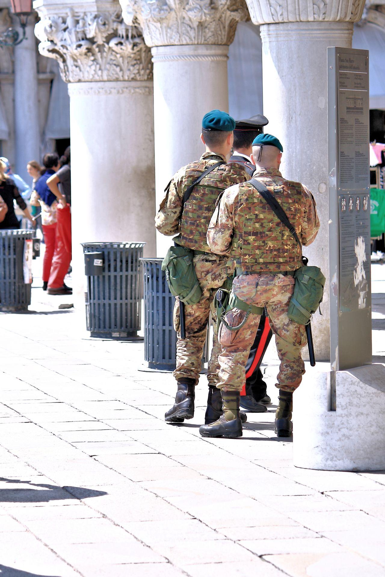 Beautiful stock photos of sicherheit,  Army Soldier,  Courage,  Day,  Footpath