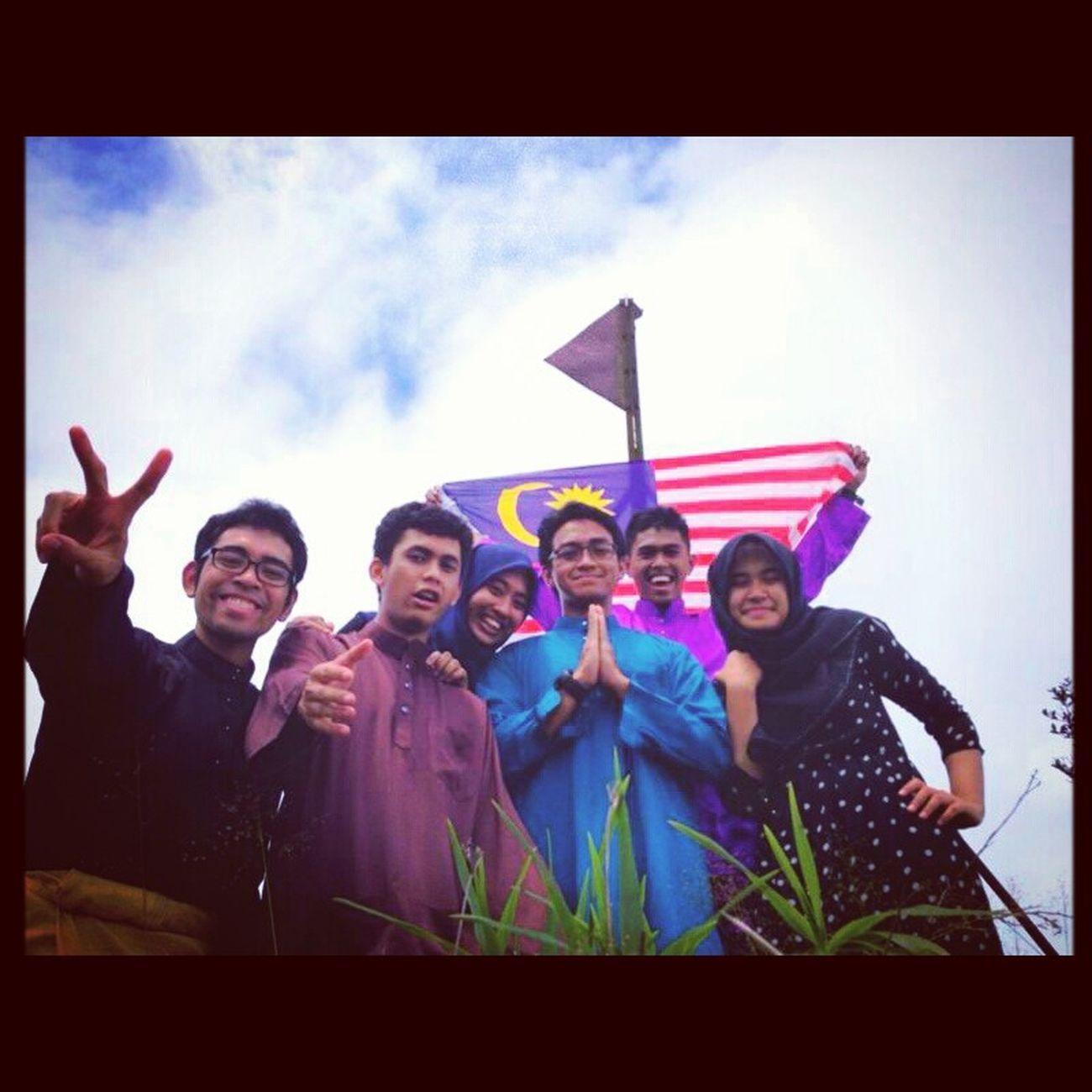 Merdeka Raya at Puncak Bah Gading with Team OGKL. Yolo KEMBARIANS Hike