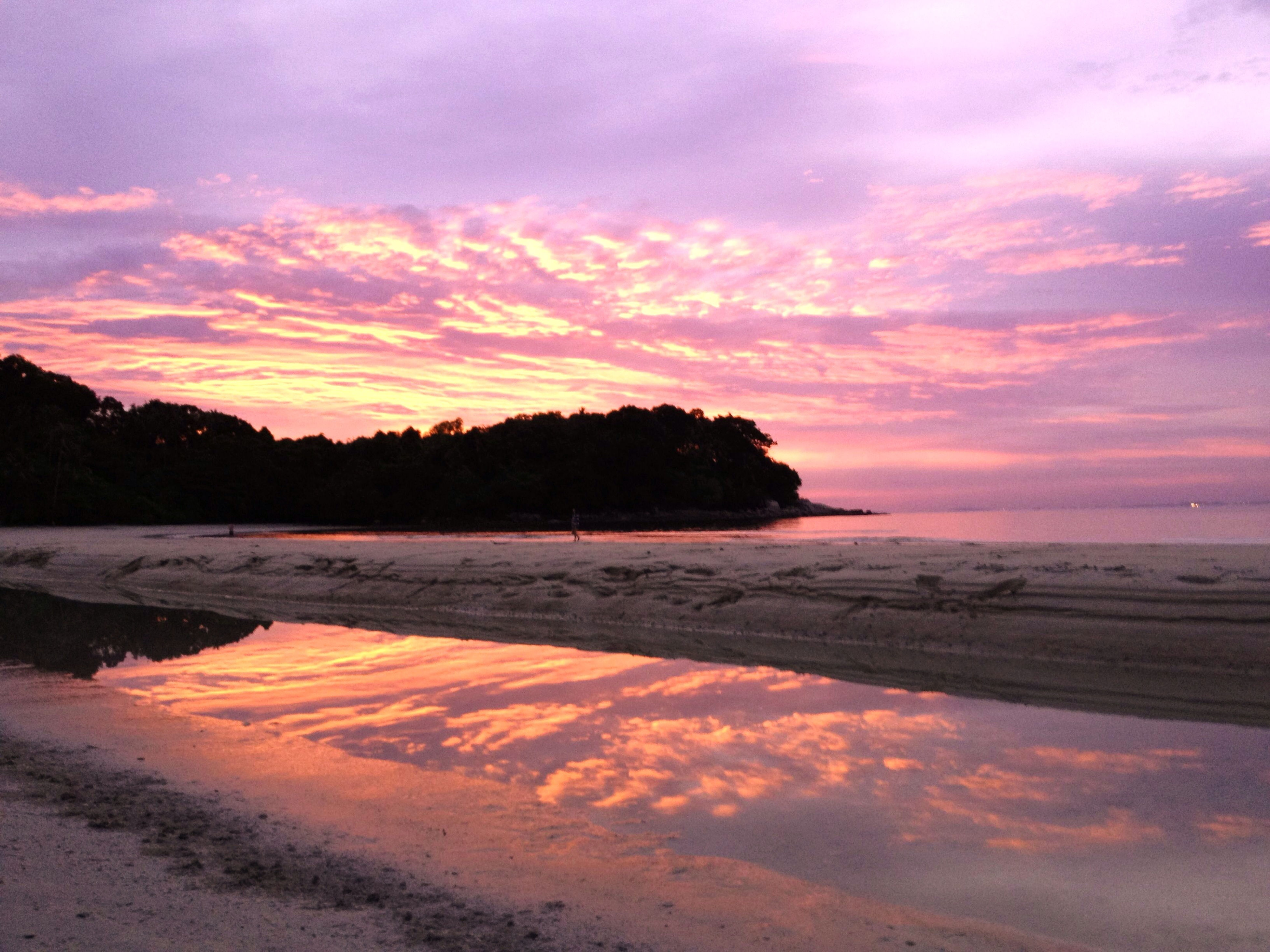 Enjoying the last sunset before I turn a year older ♡