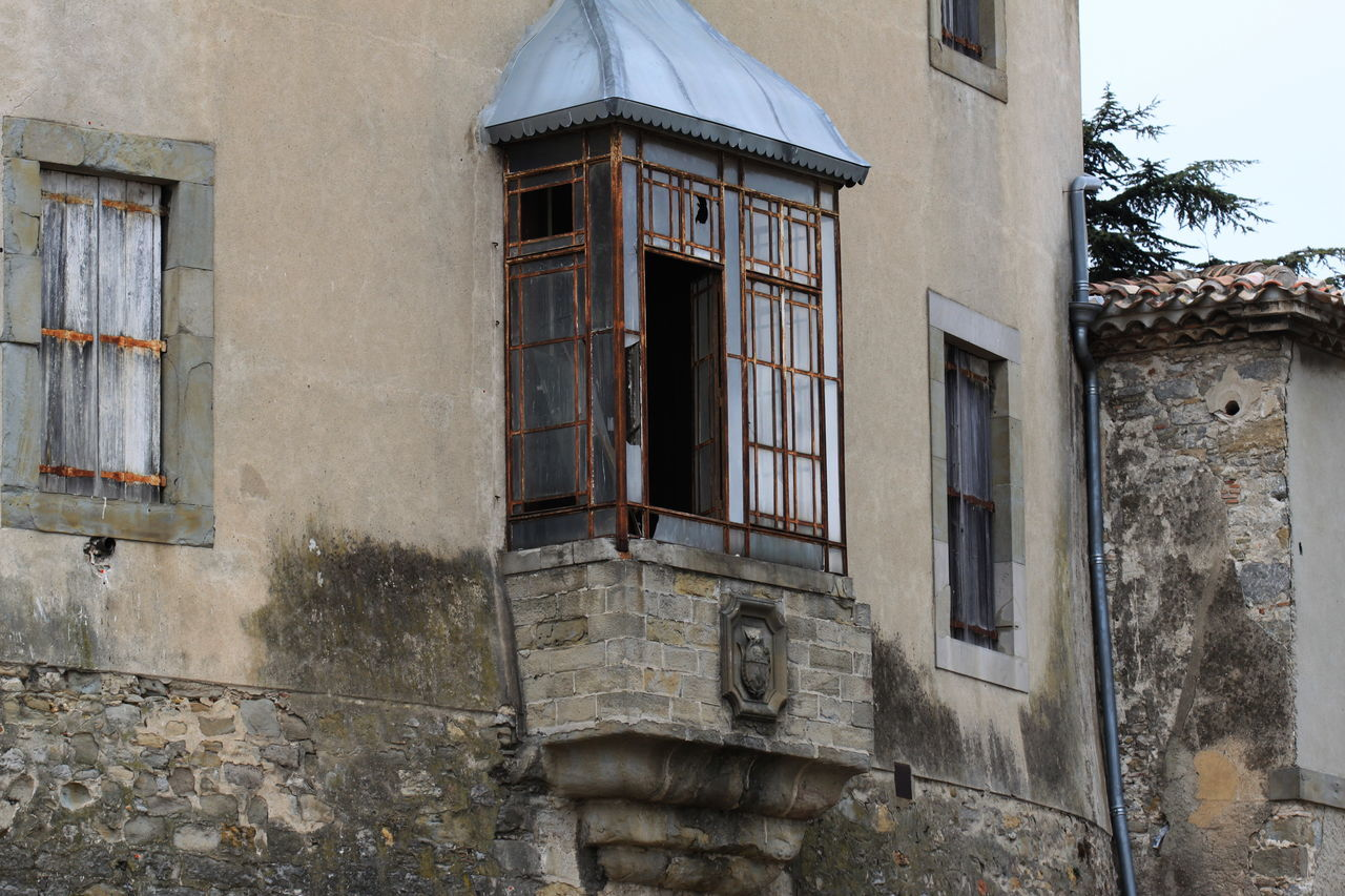 architecture, window, building exterior, built structure, no people, day, outdoors