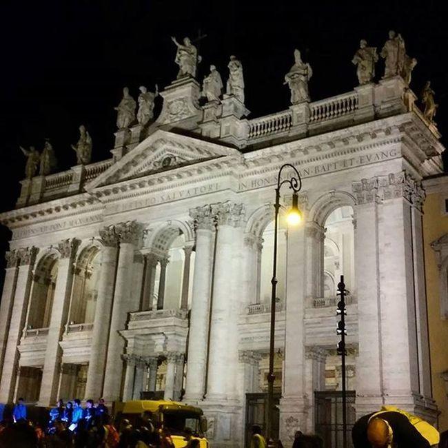 17 aprile 2016 San Giovanni in Laterano, roma Sangiovanni Rome Basilica Giubileo Romebynight Giubileorslazio Architecture Cities At Night