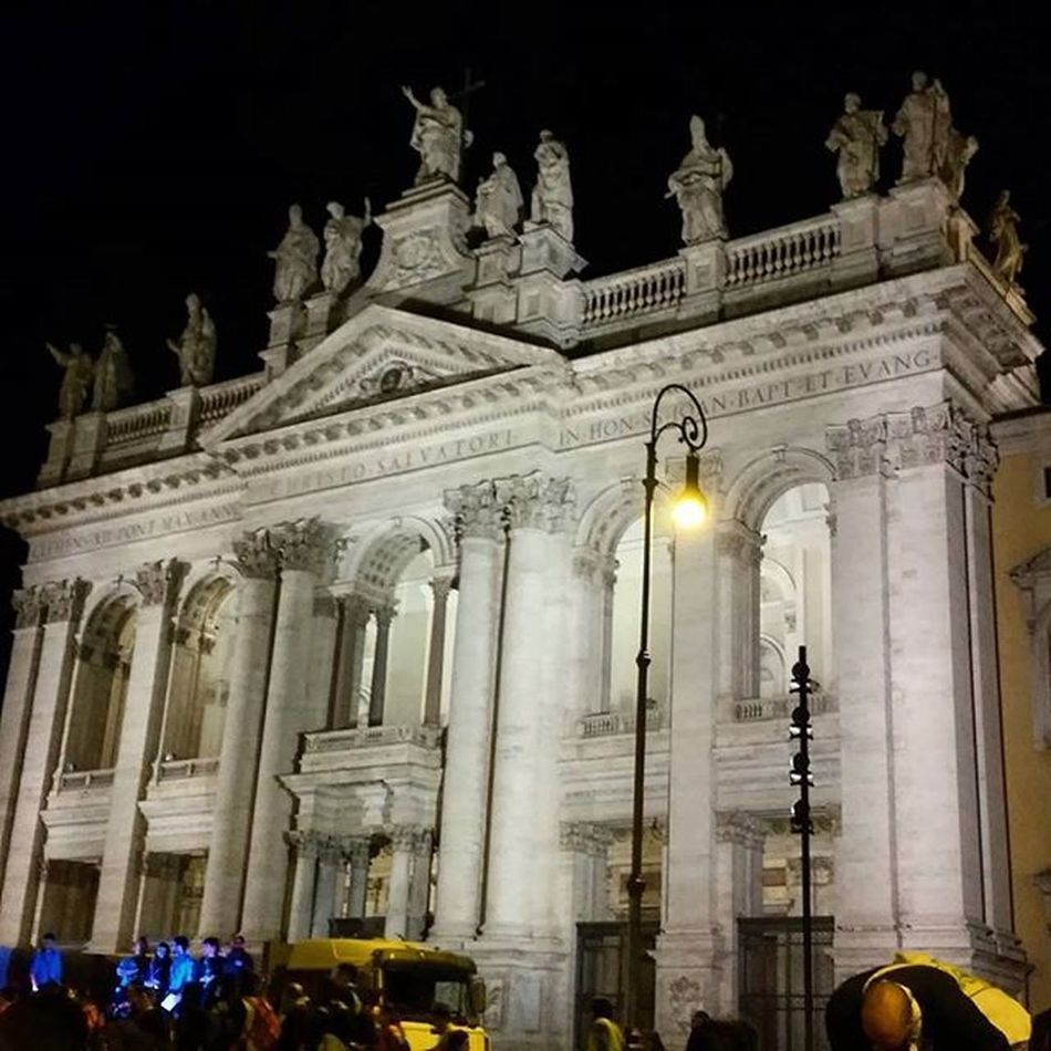 17 aprile 2016 San Giovanni in Laterano, roma Sangiovanni Rome Basilica Giubileo Romebynight Giubileorslazio Architecture Cities At Night