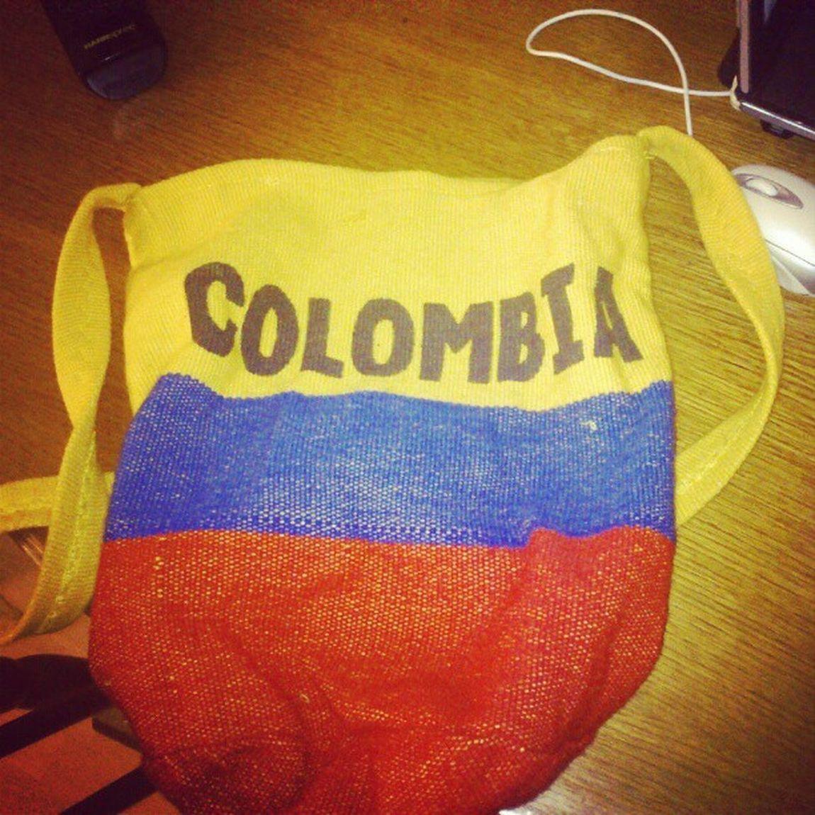 No todo el mundo tiene un bolso tan chulo para llevar su tablet. Colombia Cartagena España Morral tablet bolso