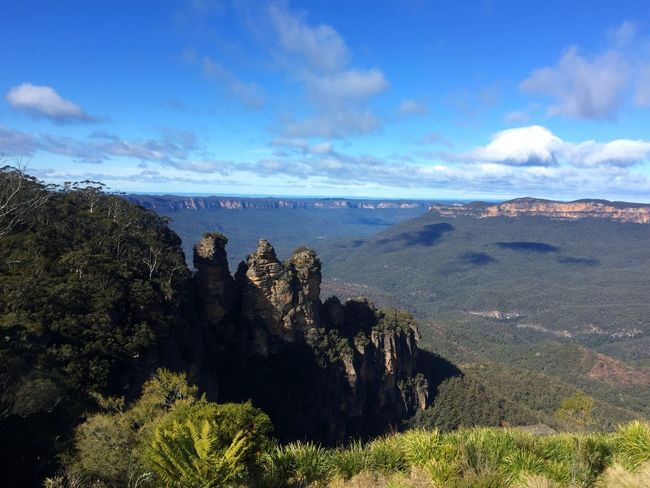 Taking Photos Travel Traveling Sydney Blue Mountains The Three Sisters Echo Point Blue Sky Clouds And Sky Nature IPhoneography