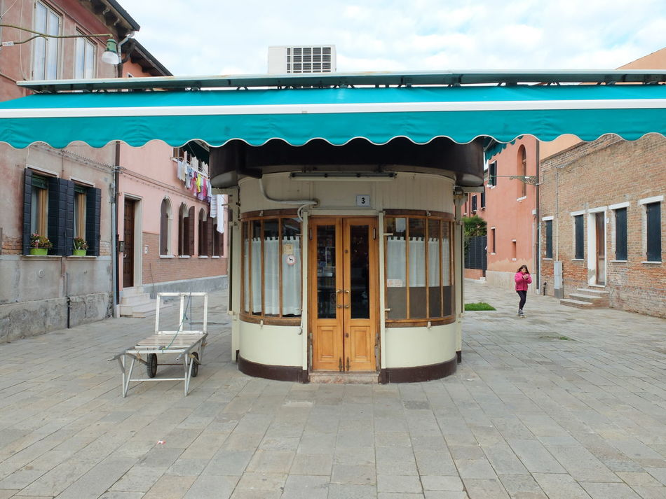 Archilovers Architecture Architecture Building Exterior Built Structure Capture The Moment City Day Modern Modern Architecture Modern Art Murano Outdoors Street Street Photography Streetphotography Streetscene Urban Urban Geometry Urbanphotography Venice