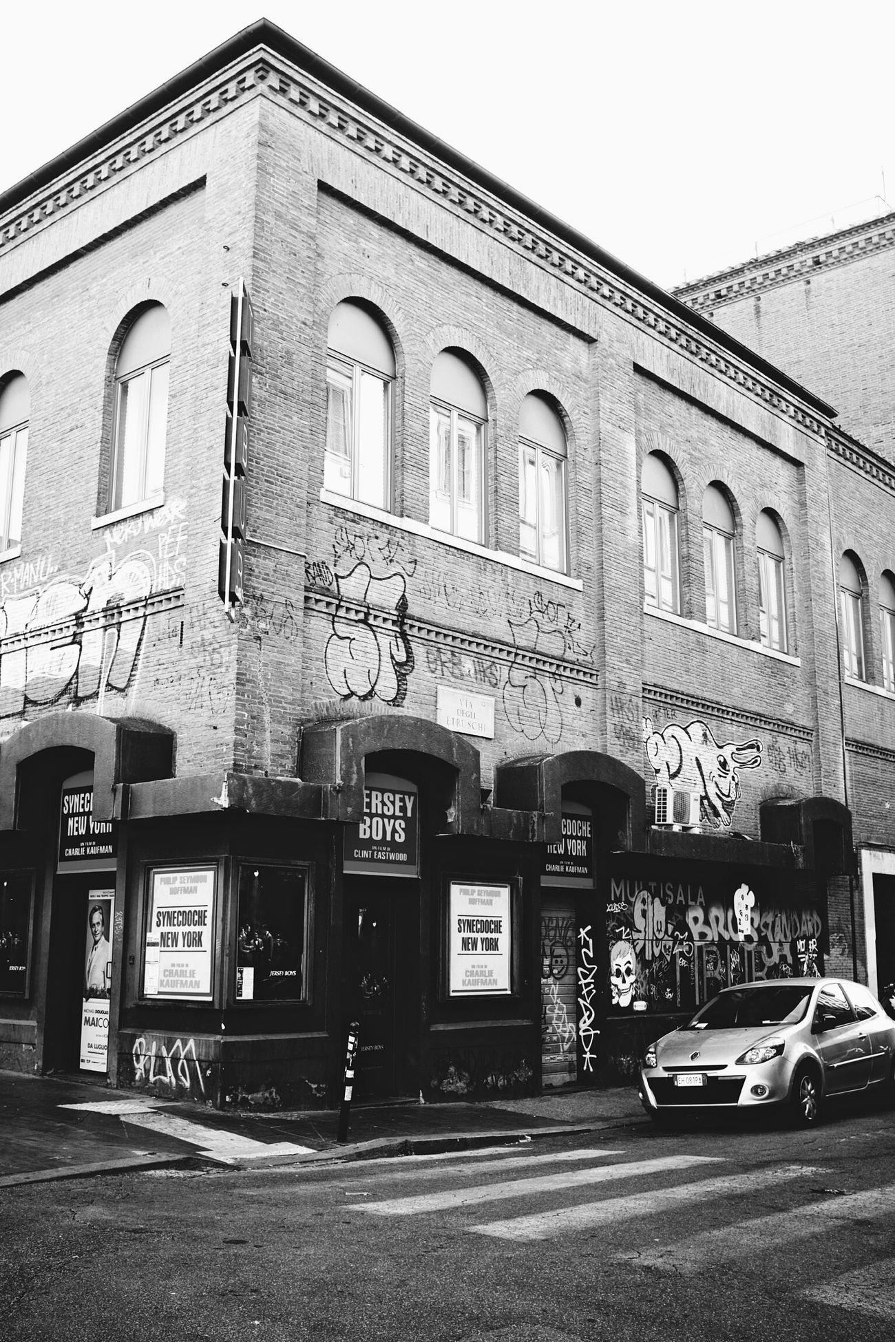 Rabbit's Wall - Streetphotography Streetart Monochrome VSCO Vscocam Blackandwhite