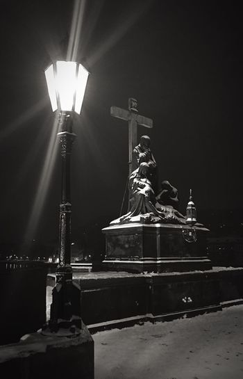 Charles Bridge Prague Czech Republic Karlsbrücke Praga Bridge Statue Cross Crucifix Lamp Streetlamp Lamppost Winter Snow ❄ Snow On Statue Snow Covered Statue River Night Time In The City Night Snow On Ground Snow In Streetlight Snow On Road The Week On EyeEm
