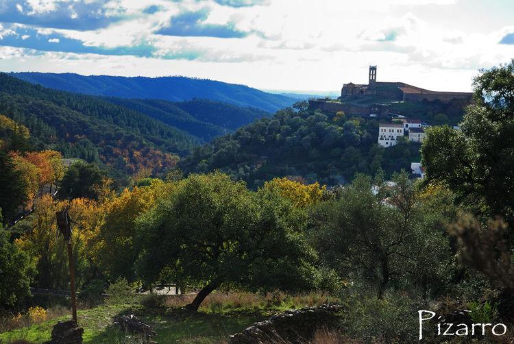 Almonaster Huelva Andalucía España Paisaje Pueblo Natural Montana Atardecer Castillo