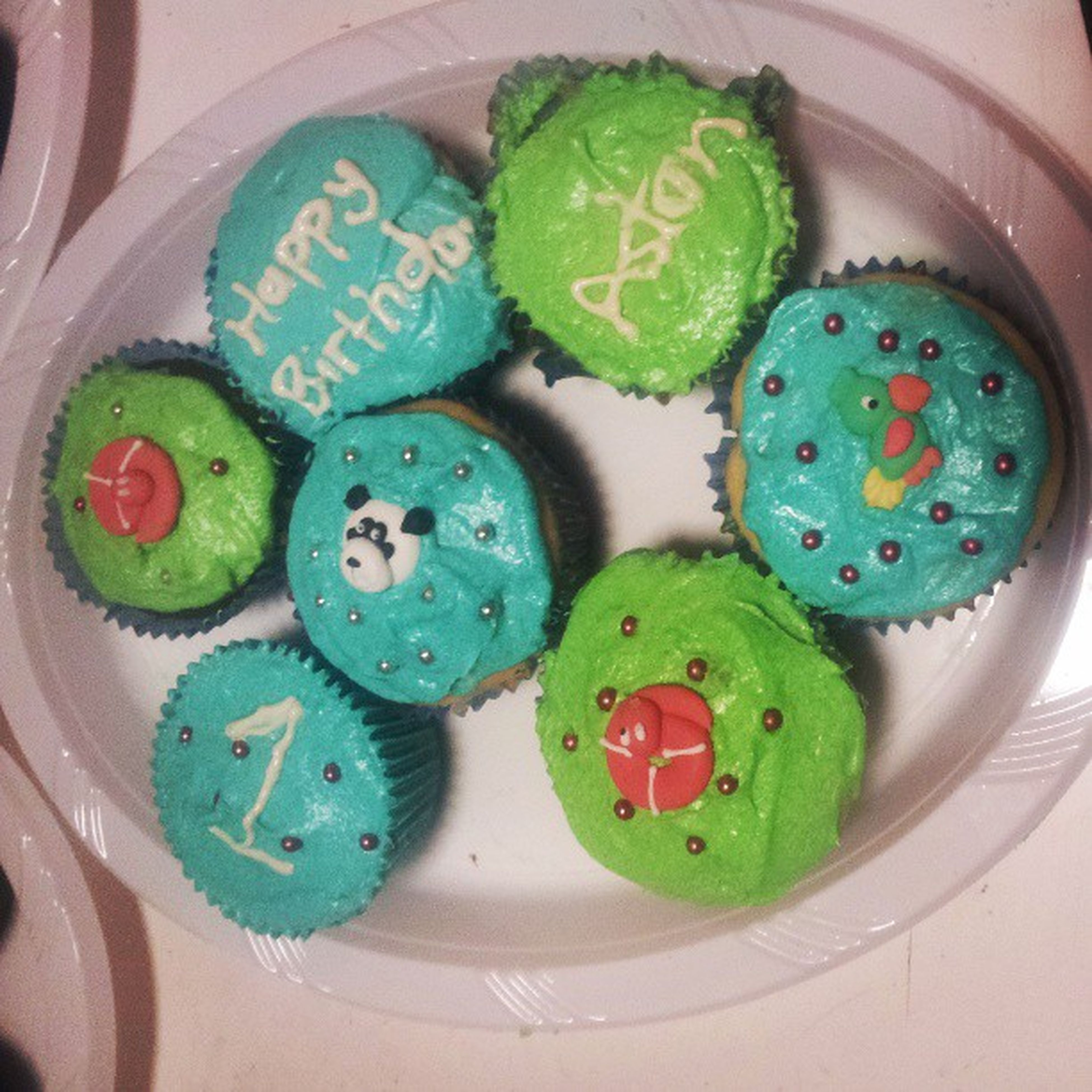 birthday cupcakes!! Happybirthdayatson 1wasagoodyear