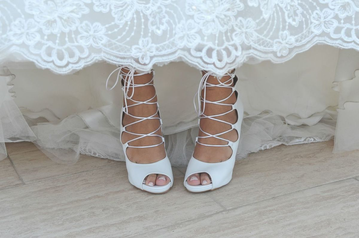 Shoe Pattern Close-up Human Body Part Standing Wedding Ceremony People Bride Adult One Person Feet Low Section Wedding Shoes Weddingshoes Wedding Day Wedding Photography Wedding Laces Shoes Of The Day Shoelaces Shoe Shoes White White Color