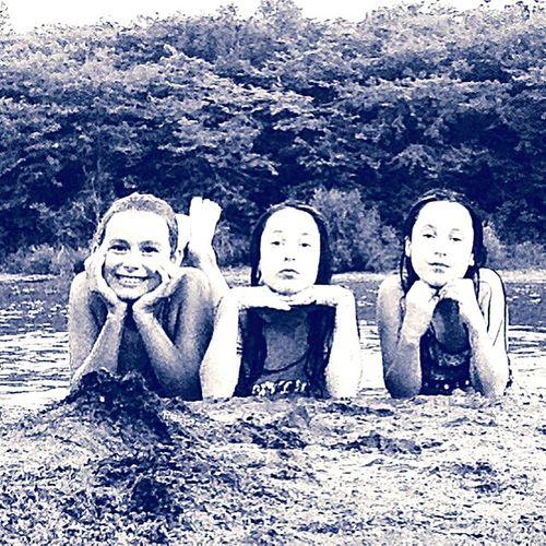 Hanging Out Enjoying Life Frienship <3 ! Relaxing TWINS ♥ The Lake Having Fun ♥