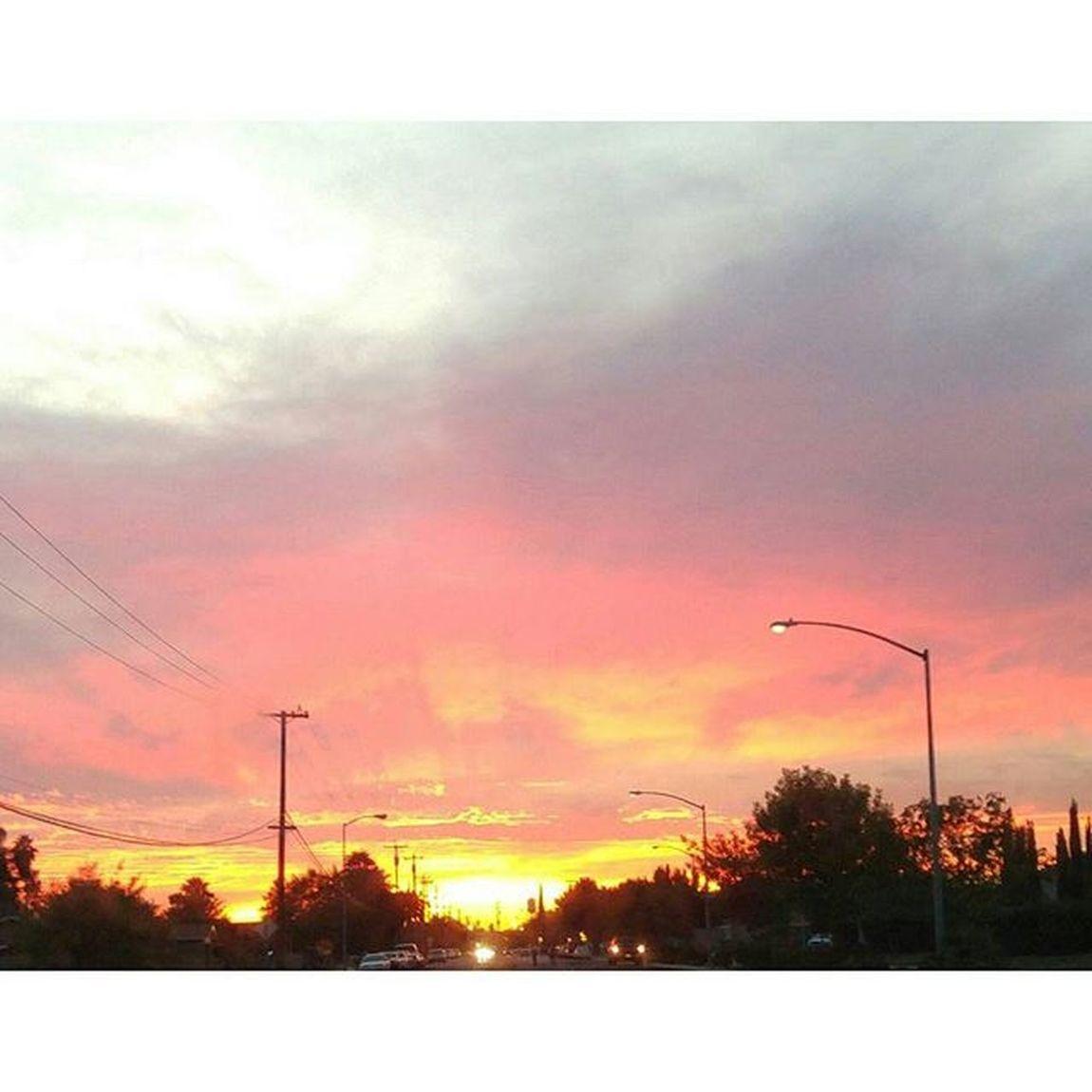 Yesterday.... Sunset_madness Sunset Sunday Sky Cloudporn BeautifulSunset 559 Love Sunrise_sunsets_aroundworld Beautifulsky All_sunsets California Photo Skyporn Calisky Myview Skies Loveit Beautiful Madera