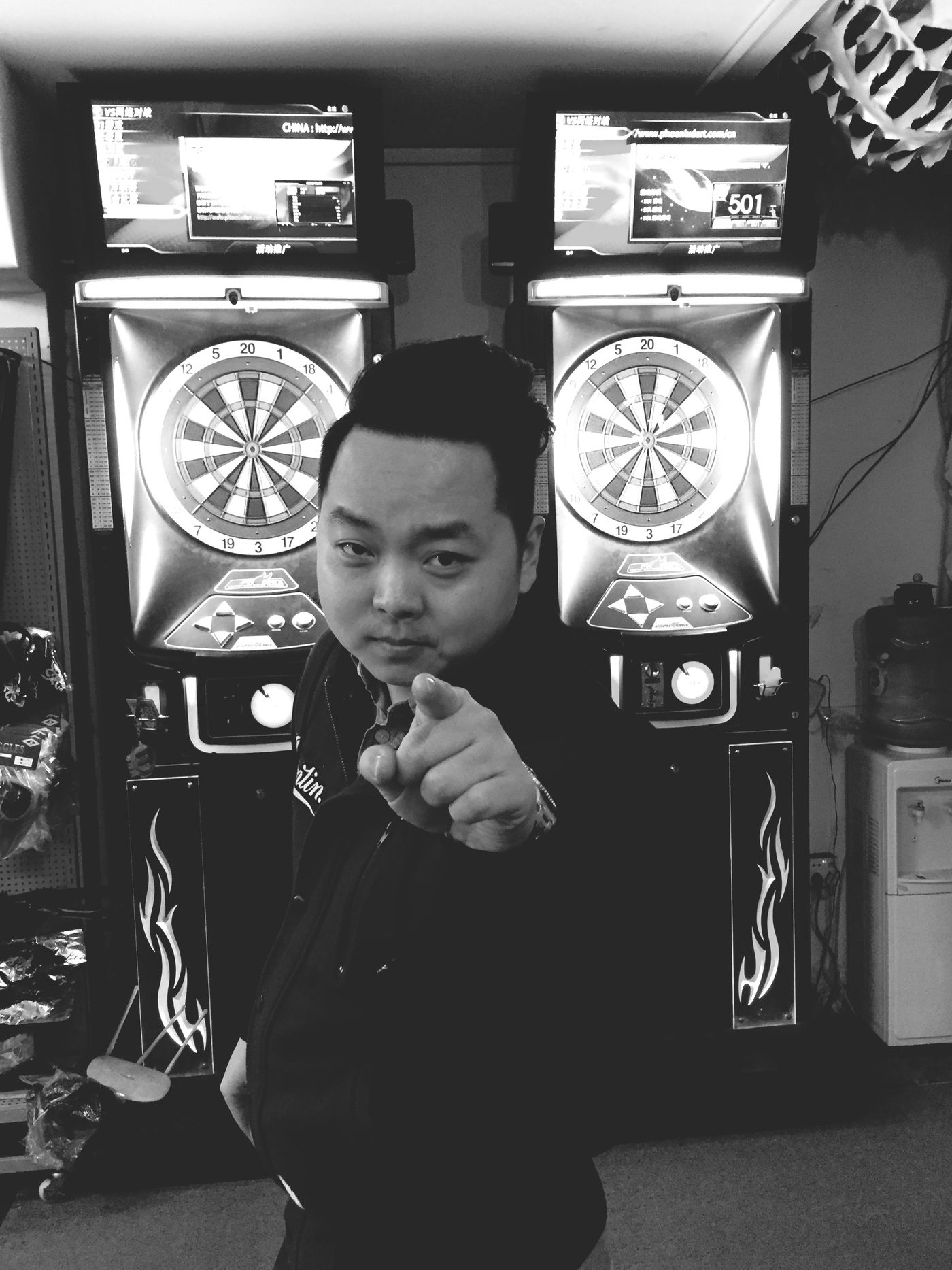 Haha~肥仔winner🎯 Darts My Feiend Winner Blackandwhite Black And White Black & White Blackandwhite Photography 綠貝雷