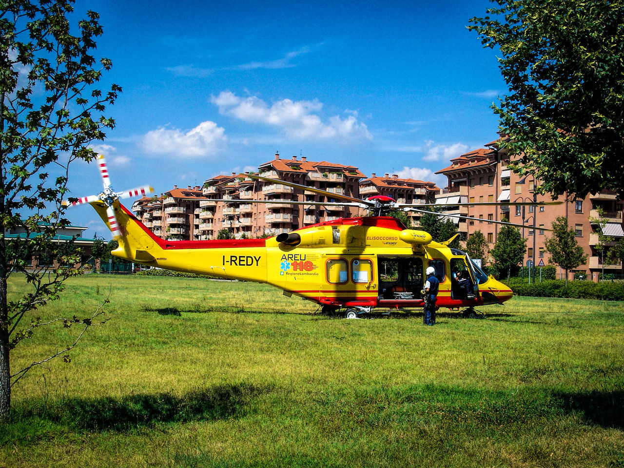 118 City Life Emergency Team Helicopter Rescue Team
