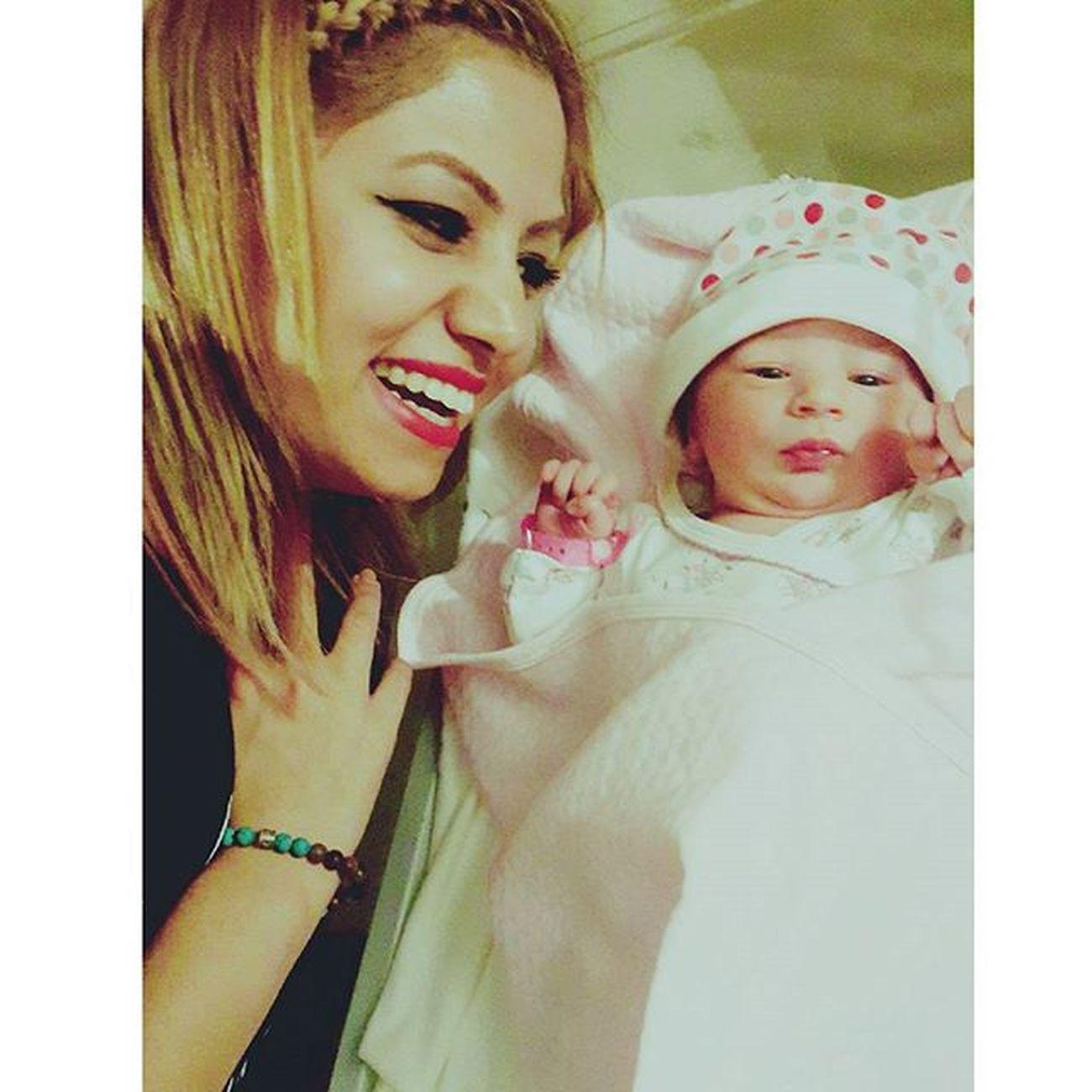 Hoşgeldin güzel bebek aramıza iyi ki geldin ailemizin yeni neşe kaynağı 😘😍👶halasının prensesi 😊💕💕💕💓👍 Baby Babygirl Kids Kuzum love ask mutluluk bebek masallah