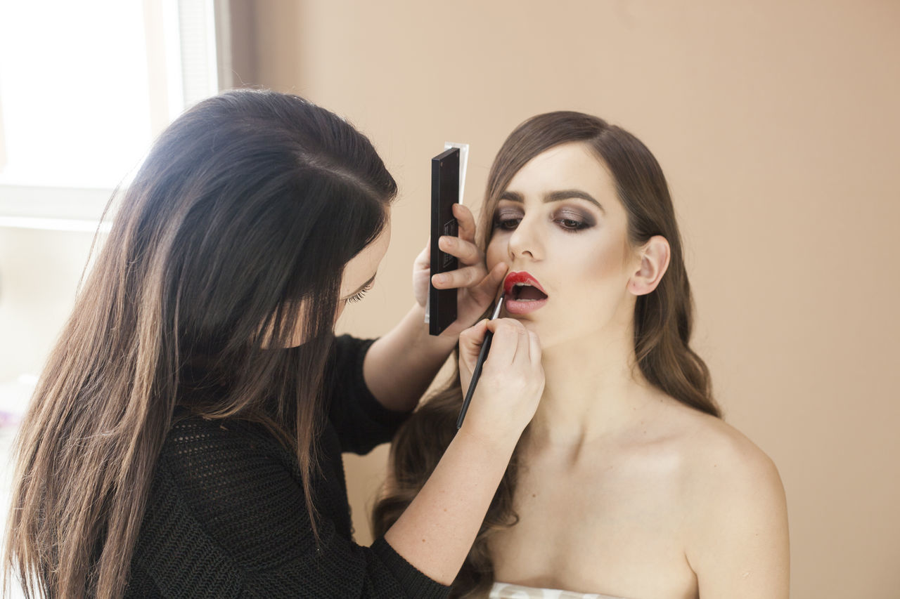 Beautiful Woman Beauty Glamour Lipliner Lips Lipstick Lipstick Lipsticklover Lipsticks Make-up Makeup Makeup Artist Makeupaddict Makeupartist Makeupoftheday Makeuptransformation Photoshoot Photoshooting Red Lips