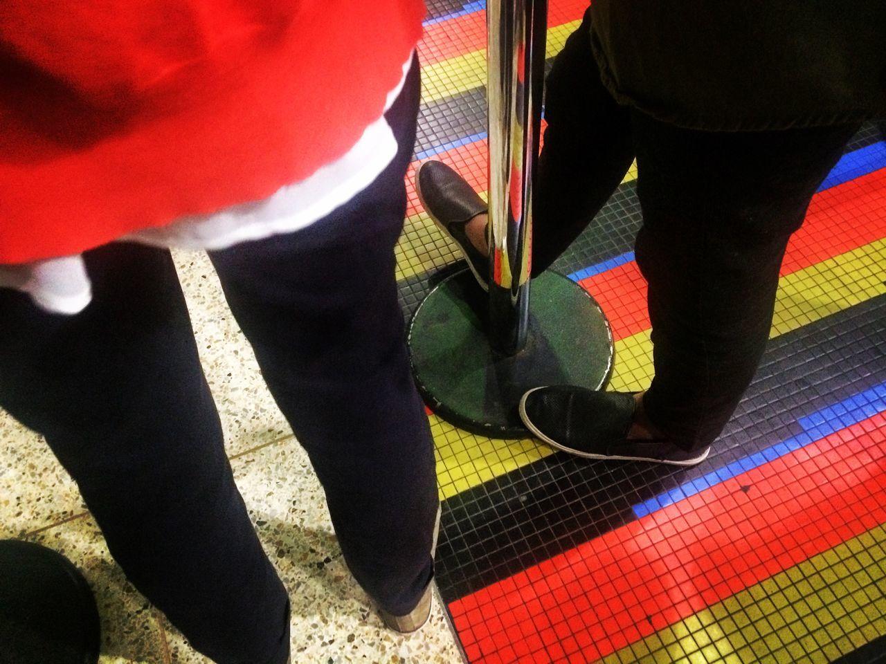 Aeropuerto de Maiquetia floor Low Section Human Leg Standing Real People Red Human Body Part Pants Floor Detail Shooes Maiquetía Aeropuerto De Maiquetia Airport Floor Art Is Everywhere Art Floor Cruz Diez Departure Departure Floor Despedida En Aeropuerto Despedida
