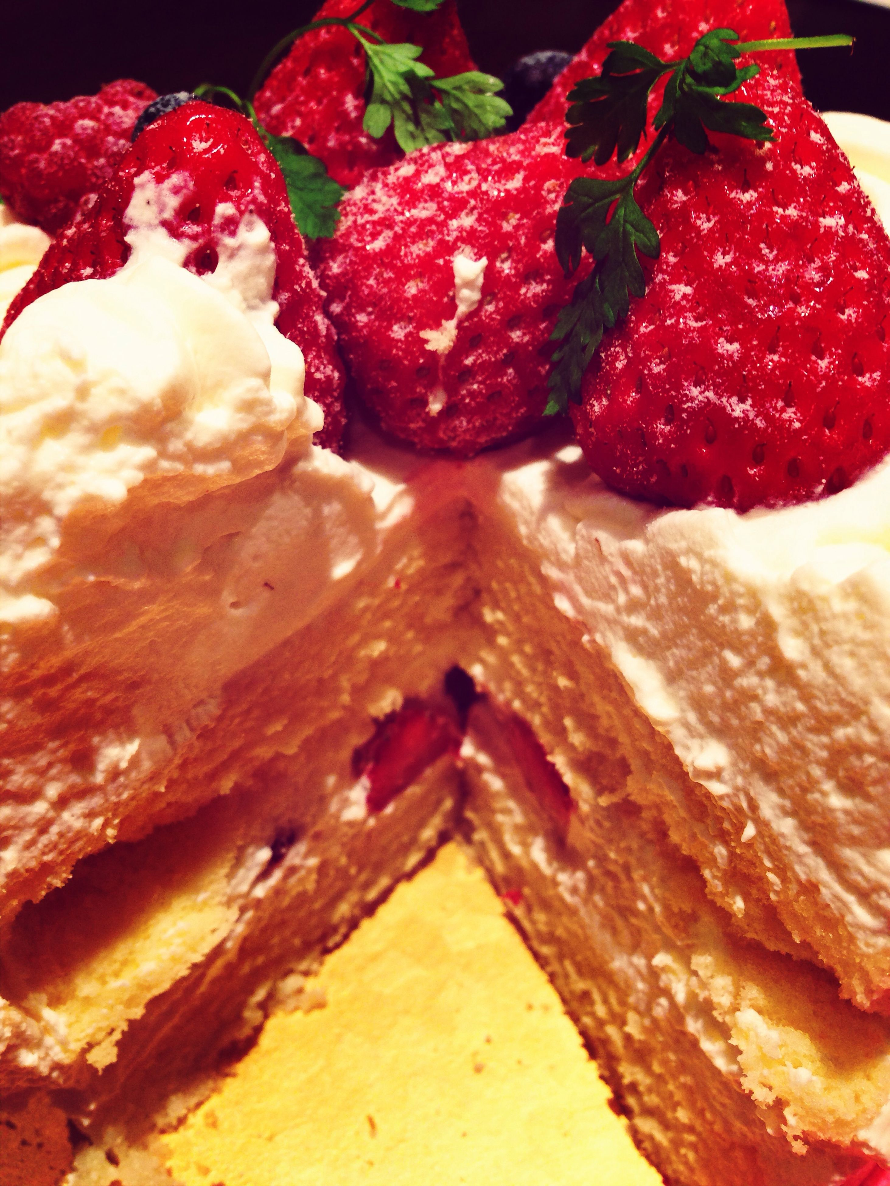 food and drink, food, freshness, ready-to-eat, indoors, fruit, strawberry, still life, red, close-up, indulgence, unhealthy eating, sweet food, dessert, temptation, raspberry, berry fruit, plate, slice