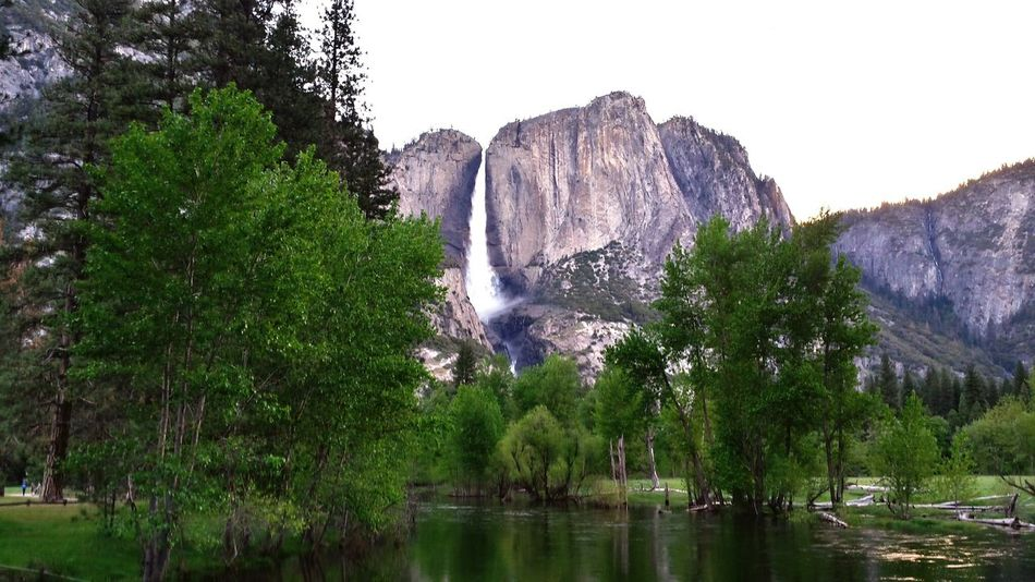 Yosemite National Park Yosemite Falls Yosemite Valley The Earth is round, the hills are flat, oceans are deep. The life blood to live is being stored.