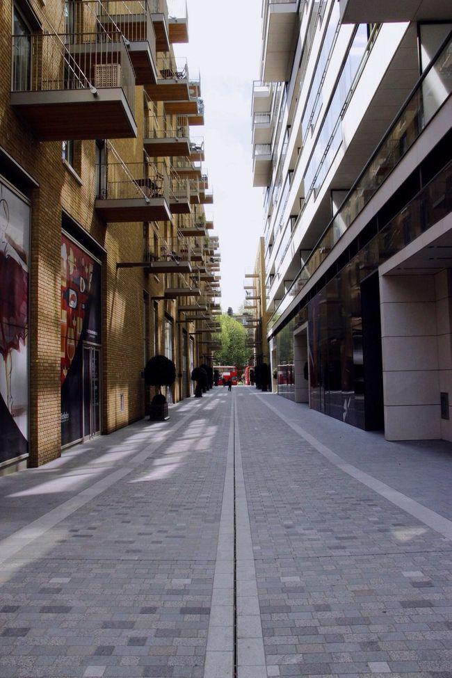 Duches Walk, London Architecture Building Exterior Built Structure City Outdoors Españoles Y Sus Fotos Jorge L. City Architecture Perspective