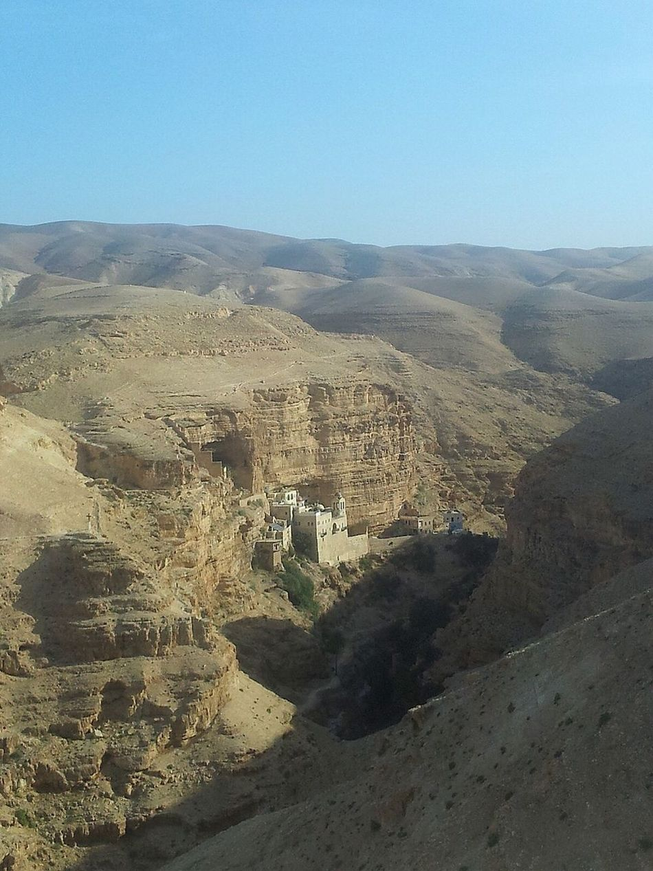 Desert Arid Climate City In The Desert Desert Architecture Geology Scenics Stone House Israel