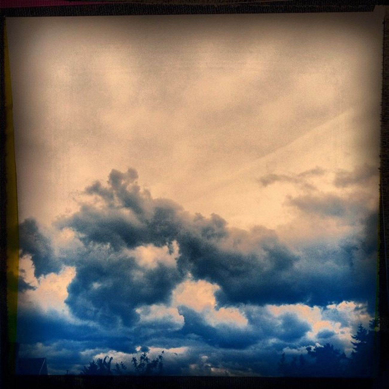 Igers Hipsta Iphonesia Iphonography sky instamatic nature naturalbeauty cloudporn clouds
