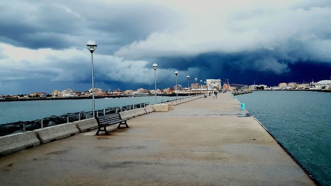 Water Cloud Sky City Waterfront Tranquil Scene Calm Curve Long Cloud - Sky Dark Myfoto Amazing Pictures  No People Photo Night Nature Rain Clouds Fiumicino Riverside View Uglytime Uglytime September Pioggia