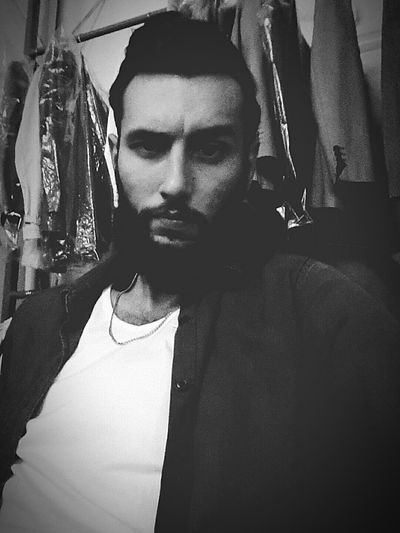 😈 Check This Out Hi! Relaxing Hello World That's Me Nice Day Selfie Blackandwhite Cool Enjoying Life
