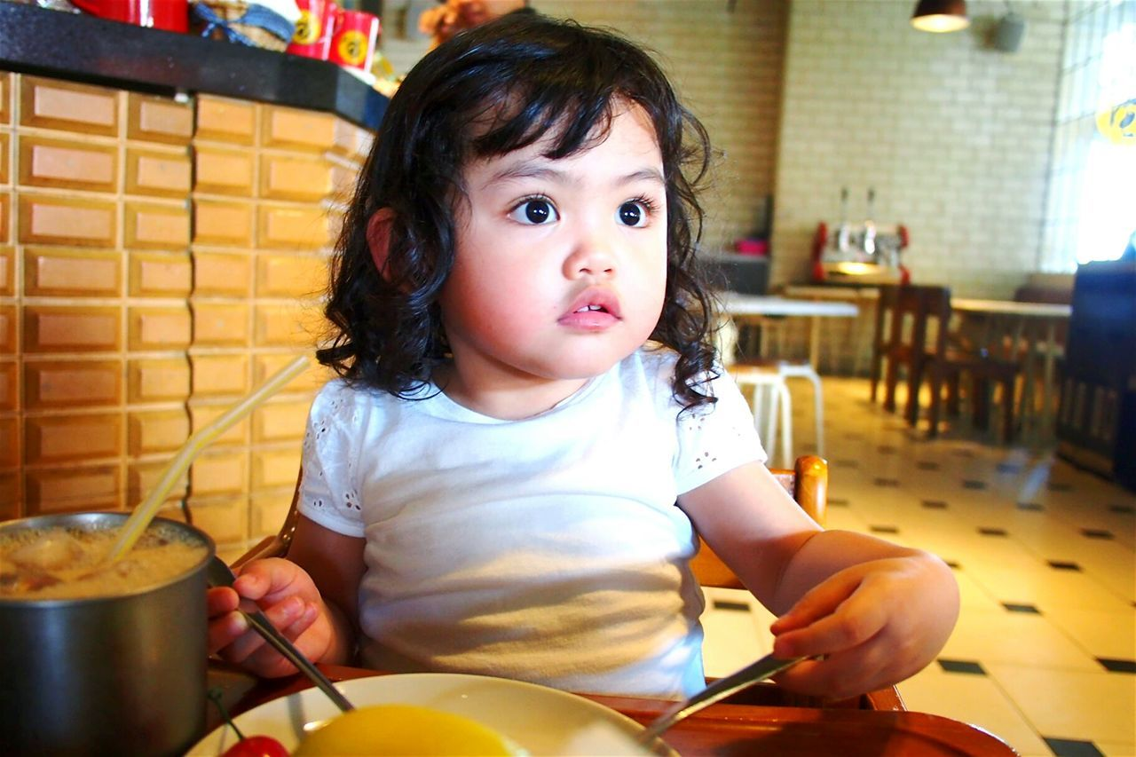 ...lunch with kak Anum The Portraitist - 2016 EyeEm Awards Anum Audrina Kartakencana Anum Babygirl Lunch Time! Taking Photos Check This Out Hanging Out Hello World Popular Photos