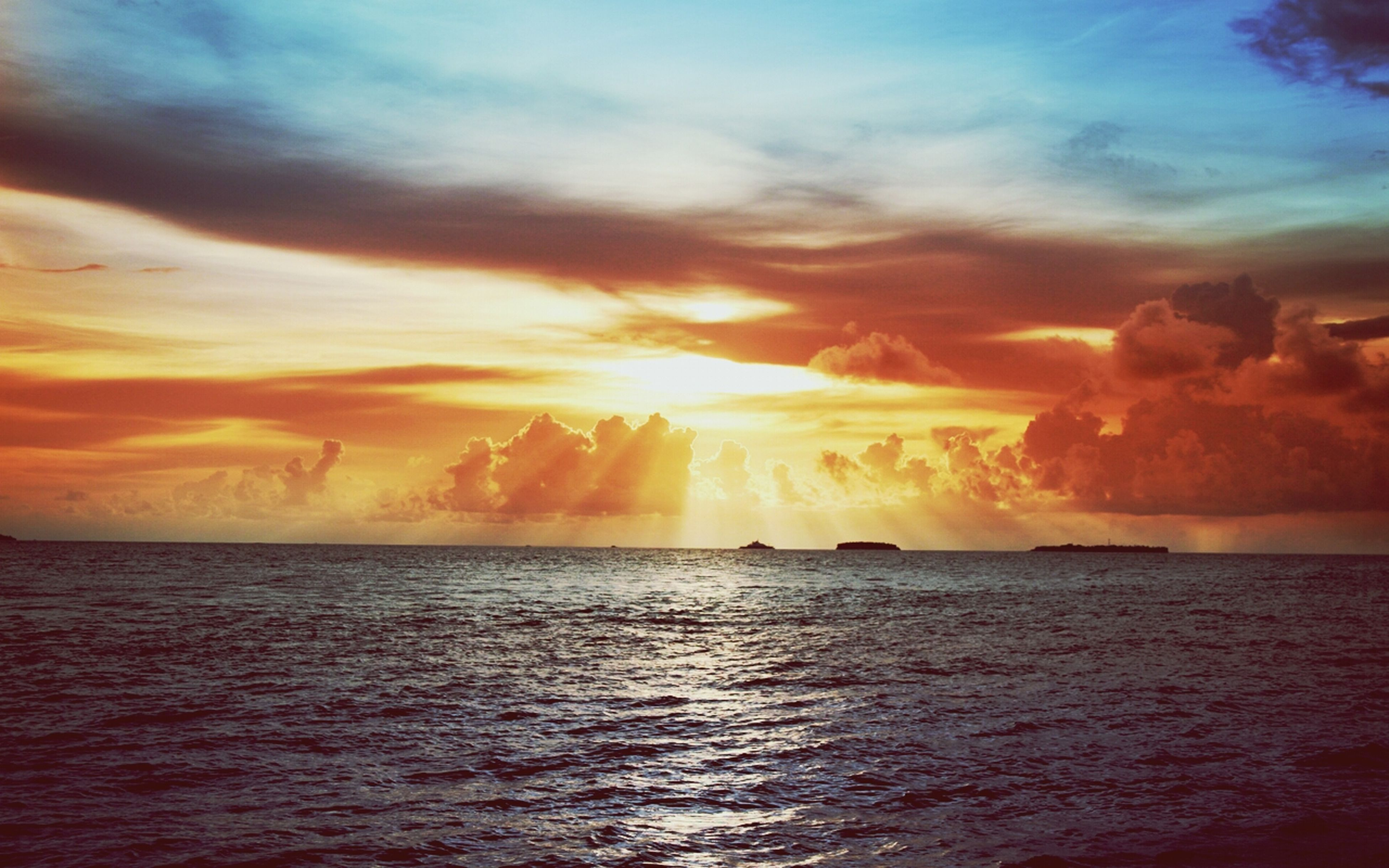 sunset, sea, water, scenics, sky, tranquil scene, beauty in nature, waterfront, horizon over water, tranquility, orange color, cloud - sky, idyllic, nature, cloud, dramatic sky, rippled, cloudy, sun, seascape