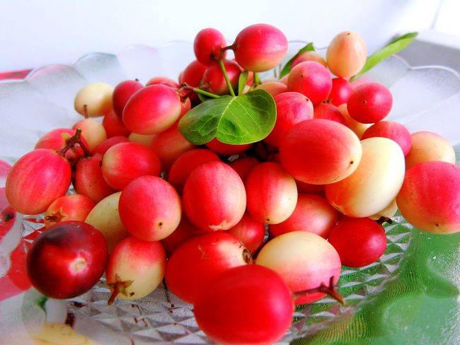 Bengal Currant Close-up Day Food Food And Drink Freshness Fruit Healthy Eating Indoors  Karonda Fruit Leaf Nature No People Red Water