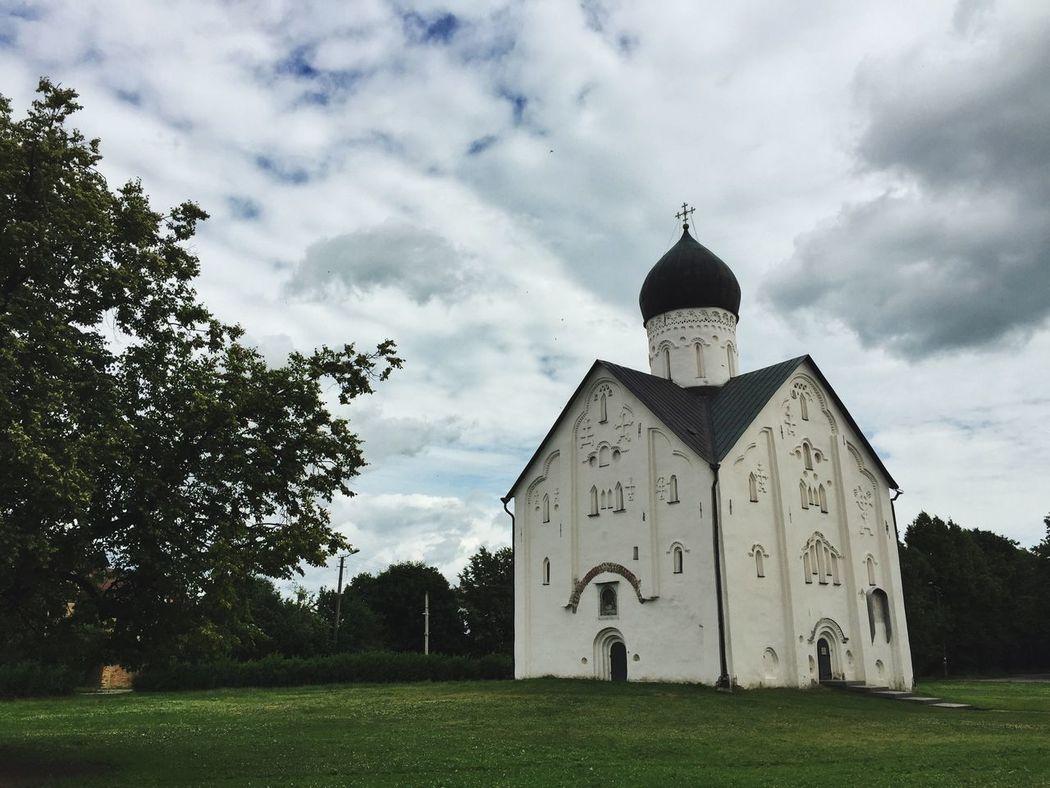 Church of the Transfiguration of Our savior on Ilyina Street in Veliky Novgorod Church Architecture Rus2015tc Traveling