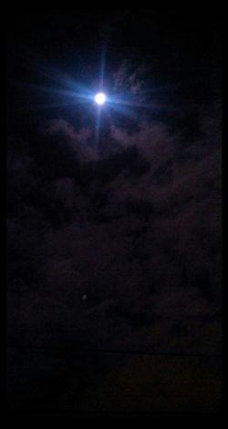 luna llena... Moon Hi! Hello World Goodnight Moon :)
