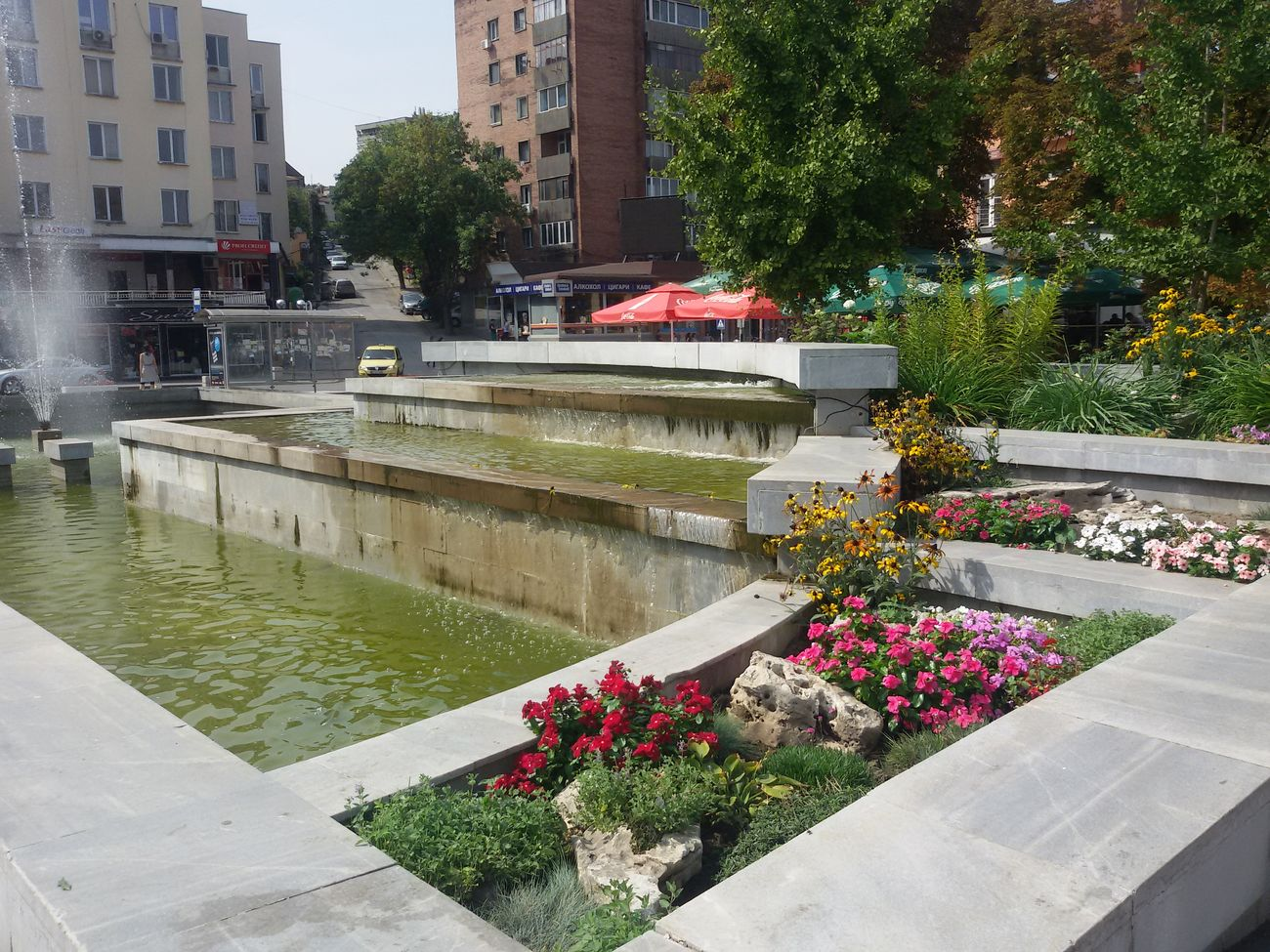 Nice Fountain in Svishtov Bulgaria Fountains Fountain_collection Fountain Fun Secret Garden Flower Flowers Flowerporn Flower Collection EyeEmFlower Eyeemflowerlover City City View  Ilovephotography Lovelyview Hanging Out Eyeemphotography Nice View Enjoying The View Mobilephotography Eyee4photography From My Point Of View Check This Out