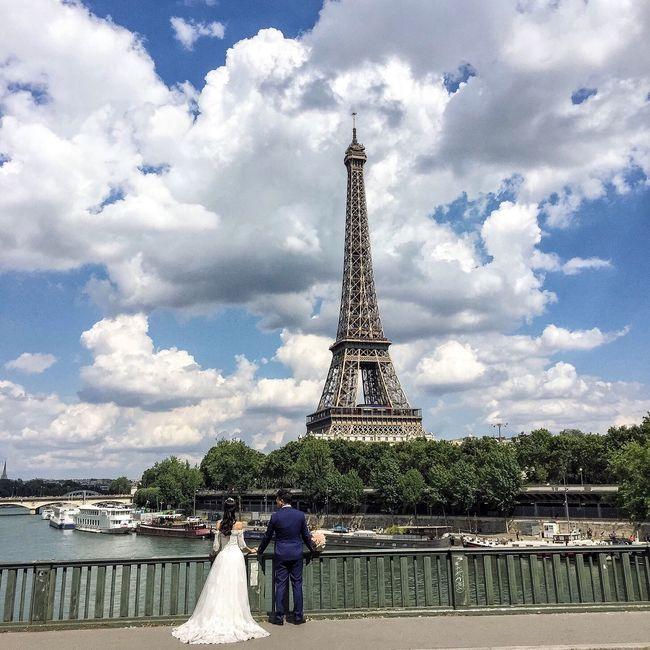 Good Morning Paris! Bonjour Paris EyeEm Best Shots Photooftheday Paris Parisweloveyou Paris ❤ Streetphoto_color Eiffel Tower Tour Eiffel Clouds And Sky
