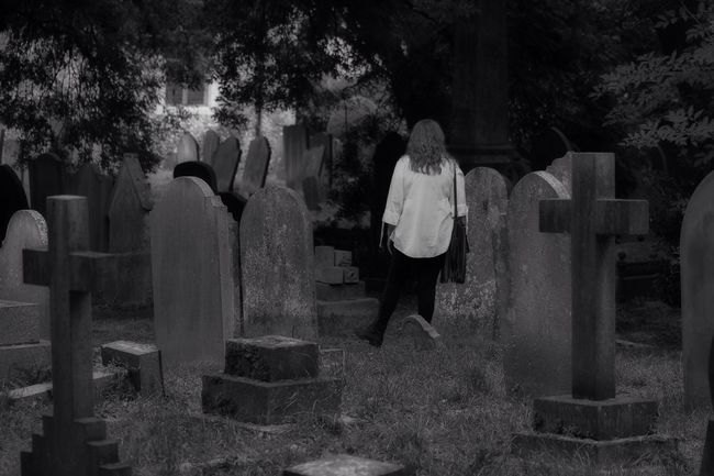 Death Black & White Old Cemetery Churchyard Burial Ground Graveyard Graveyard Beauty Blackandwhite Black&white Photography Creative Photography Canon Canonphotography South West London Monochrome Blancoynegro Darkart Dark Photography