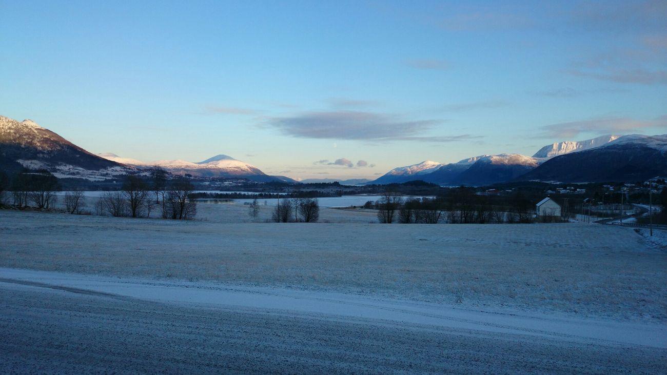 Taking Photos Eide På Nordmøre Mountains Winter