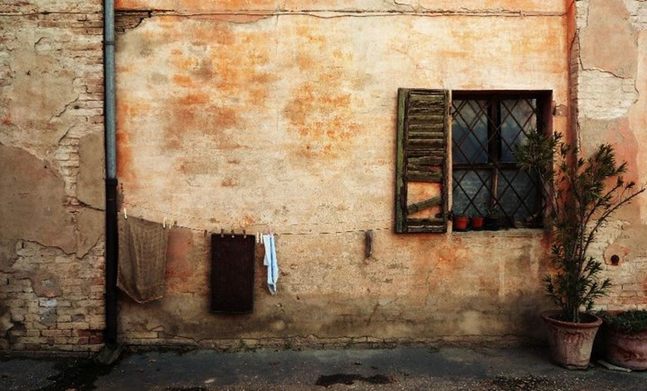window, architecture, building exterior, built structure, house, old, no people, abandoned, door, weathered, day, outdoors, city, window box