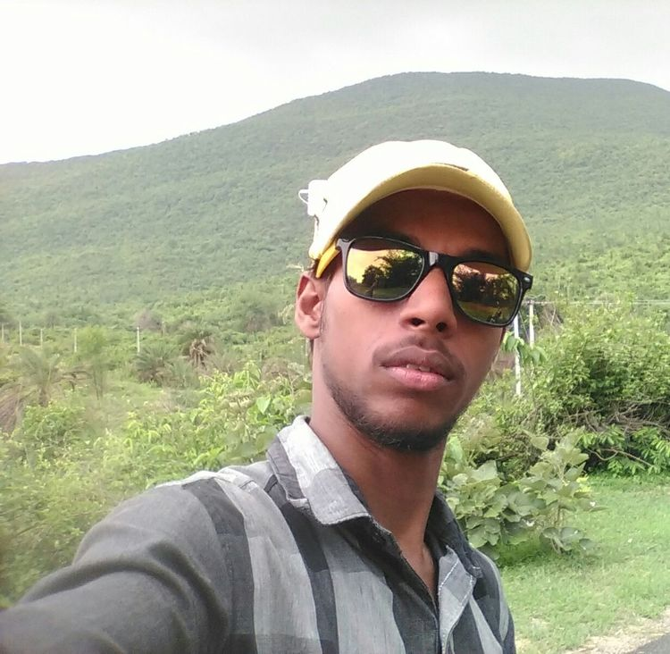 One Man Only Sunglasses Men Nature Outdoors Mountain Mountains And Sky Mountain View Selfies Me Photography LovePhotography Follow Me