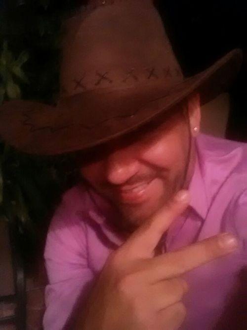 Me Selfie Smile Puertorican Peace ✌ That's Me Latino Vaquero Selfie Latinos Saludos! Hello World Photo Relaxing