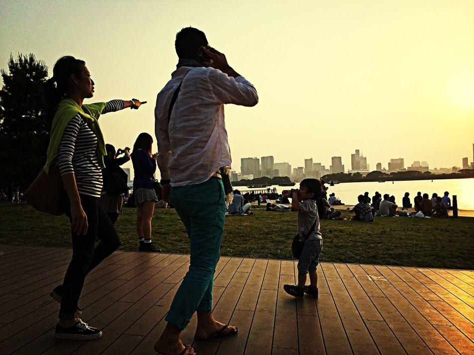 Photo By Taqmi Tokyo Family Enjoying Life