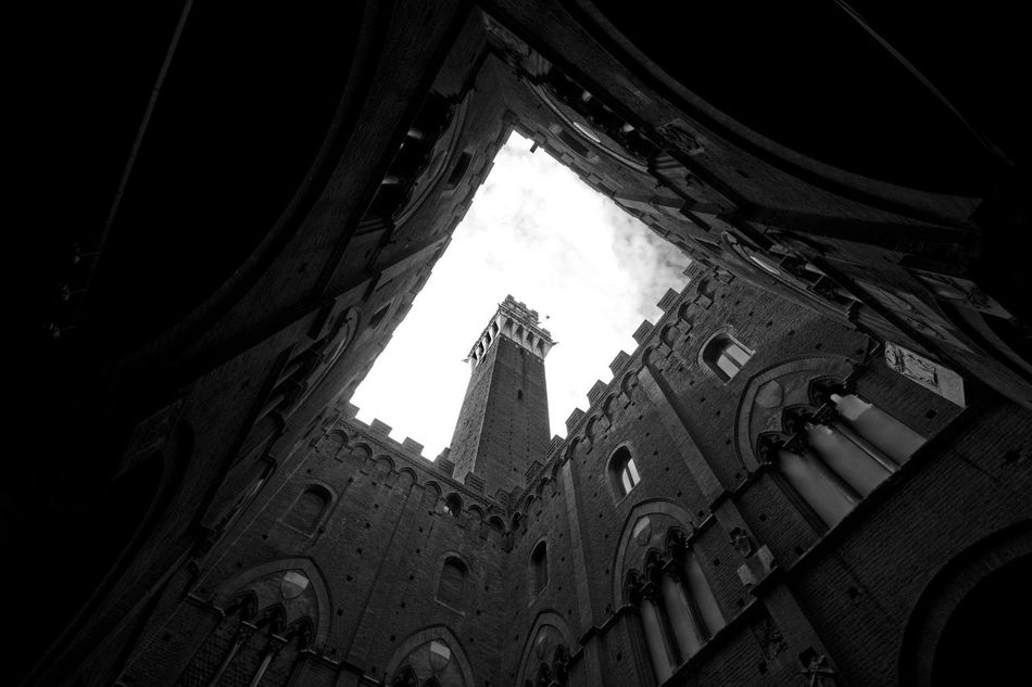 Architecture Building Exterior Architecture Canon550D Travel Destinations Italy Sigma10-20 Toscany Toscana Cloud - Sky Sky Blackandwhite Siena Black & White Bianco&nero Torredelmangia Piazza Del Campo