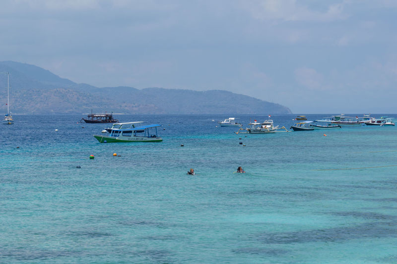 Gili islands are small tropical islands between Lombok and Bali islands.There are three islands: Trawangan, Memo and Air. Gili Trawangan Island Life Lobster Lombok-Indonesia Rinjani National Park Scuba Diving Tropical Climate Volcanic Landscape