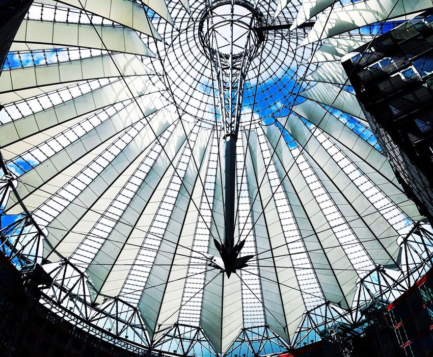 Berlin Sony Center Berlin Sonycenter Sonycenterberlin Sony Gebäude Konstruktion Stahl Wolken Himmel Wolkenhimmel Blau Und Weiß Sonne First Eyeem Photo