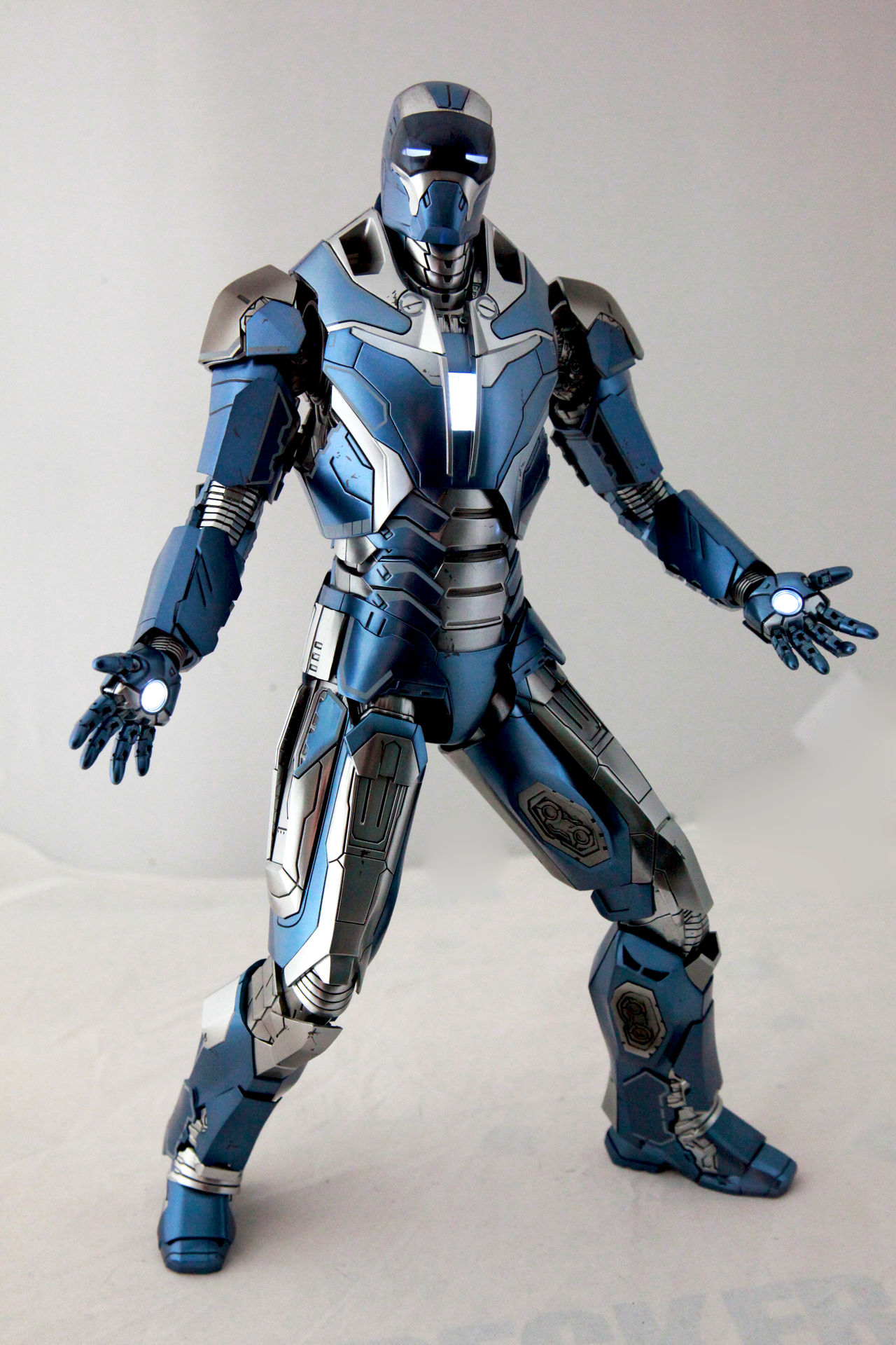 Check This Out Marvel Hottoys Toyphotography Onesixthscale Ironman Ironlegion Housepartyprotocol Civilwar Mark40 Shotgun