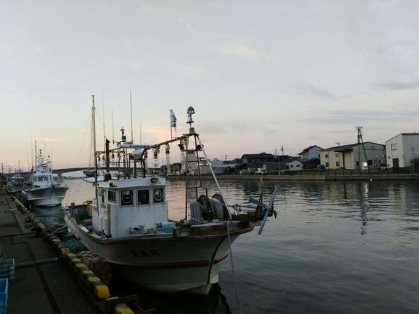 Water Sea Business Finance And Industry Harbor Outdoors Tranquility No People Sky Day Nature お醤油蔵の町 🇯🇵 Japan 金沢市大野 Scenic Landscapes The Way Forward Scenics Kanazawa City,Japan Street Landscape Scenery Pictures Evening Sky Autumn Power In Nature Freshness Riverwalk