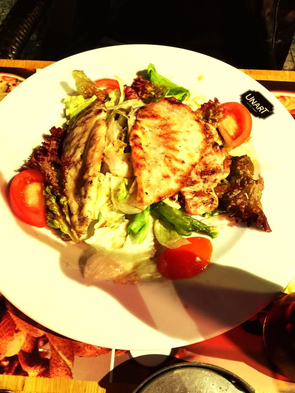 Delicious Food Delicious Eating Chiken Chiken Salad Dinner Dinner Time Loveit ❤️❤️❤️ Check This Out Taking Photos