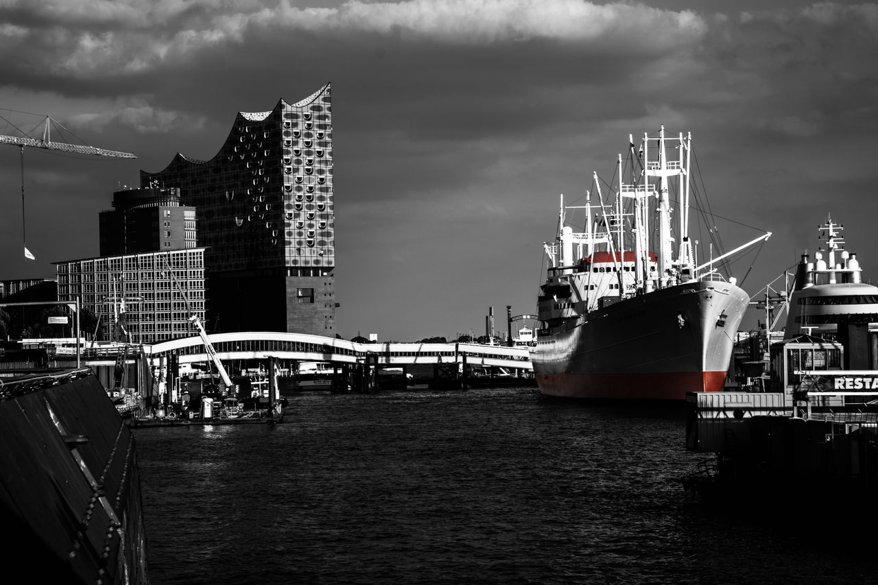 Hamburg Harbor by www.eightTWOeightSIX.de Nautical Vessel Architecture Building Exterior Transportation Built Structure Water Waterfront City Sky Boat Cloud Ship Skyscraper Harbor Buildings Black & White Black And White Blackandwhite Germany Hamburg Harbor Hamburgcity Hamburg Landungsbrücken  Urban Skyline Urban Landscape